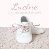 Les Mini-chaussons antidérapants en cuir LUCINE 💕💕💕 En vente sur notre site www.chaussureslucine.com , rubrique Bébés/mini-chaussons Lacets standards + cordons LIBERTY filles ou garçons OFFERTS Guide pointure directement sur notre site  #chaussureslucine #chaussonsbebe #chaussures #chaussuresenfant #babyshoes #kidsshoes #shoes #shoesaddict #chaussuresaddict #bebestyle #lookbebe #bebechic #bebechou #modebebe #modeenfant #babyfashion #kidsstyle #kidsfashion #kidslook #sochic #cuir #qualite #confort #babybrand #kidsbrand #frenchbrand #marquefrancaise #coupdecoeur